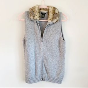 Eddie Bauer Gray Knit ZIP Vest Faux Fur Collar L